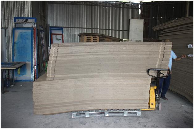Giấy tấm lớn ở công ty Sao Mai Việt